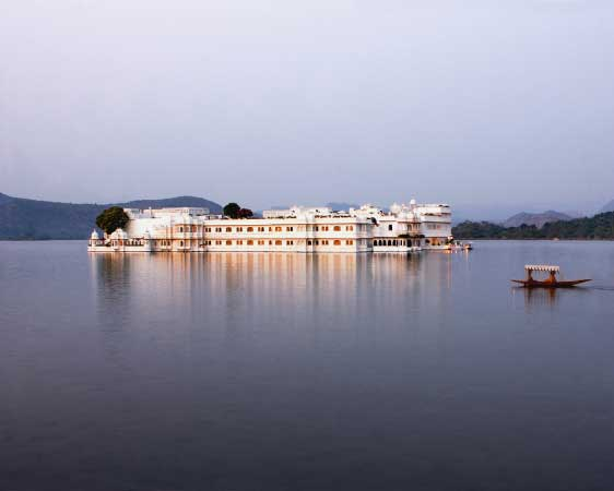 LUXURY INDIA PALACES PRIVATE TOUR (TAJ SPECIAL)