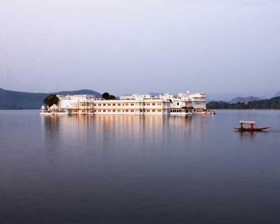 LUXURY INDIA PALACES PRIVATE TOUR (TAJ SPECIAL)
